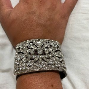 Unique buckled Leather cuff sparkle*